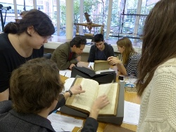 Participants discuss books during Science in Print seminar
