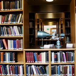 shelves_instrument